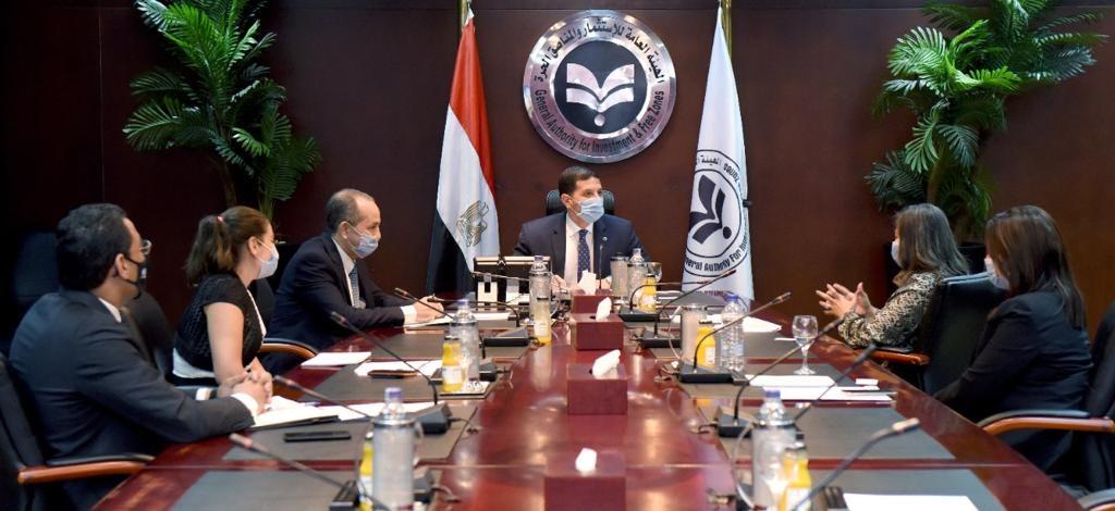 المستشار محمد عبدالوهاب، الرئيس التنفيذي للهيئة العامة للاستثمار والمناطق الحرة خلال الاجتماع