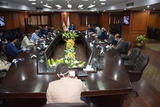 وزير الشباب والرياضة يجتمع مع مجلس إدارة الاتحاد العام لمراكز شباب مصر | صور