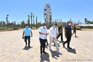 الشيخ يتابع تنفيذ قرارغلق شواطئ مدينة جمصة | صور