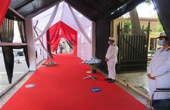 فرق طبية وكراسي متحركة خارج اللجان الانتخابية بالتجمع