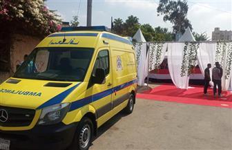 سيارة إسعاف مجهزة بمحيط مدرسة طبري الحجاز الثانوي لتقديم الخدمة الطبية للناخبين|صور