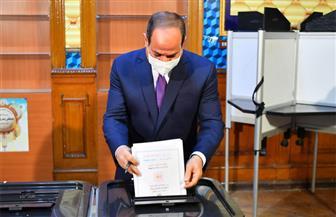 الرئيس السيسي يدلي بصوته في انتخابات مجلس الشيوخ | فيديو وصور