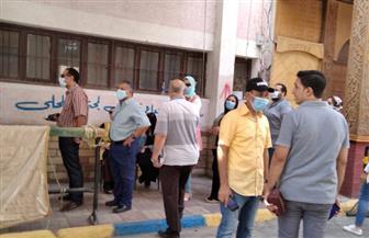 """محافظ الإسماعيلية يتفقد لجنتي """"فاطمة الزهراء"""" و""""الفاروق عمر"""" للاطمئنان على سير الانتخابات"""