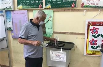 فرج عامر يدلي بصوته في انتخابات مجلس الشيوخ
