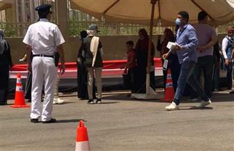 بدء توافد الناخبين علي لجان مدرسة الشهيد شريف حجاج مناع بمصر الجديدة