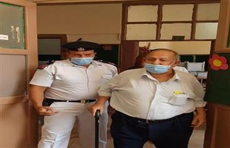 أمن القاهرة يلبي استغاثة مواطن مسن يرغب في الإدلاء بصوته