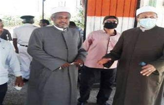 رئيس منطقة الأقصر الأزهرية يدلي بصوته بلجنة مدرسة الخطباء| صور
