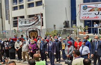 مسيرة لقيادات جامعة دمنهور لحث المواطنين على المشاركة في انتخابات مجلس الشيوخ | صور