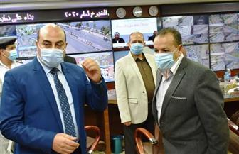 محافظ أسوان يتابع انتظام التصويت من غرفة العمليات   صور