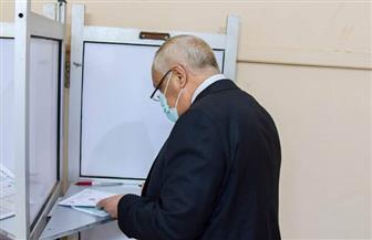 رئيس الهيئة العربية للتصنيع يدلي بصوته في انتخابات مجلس الشيوخ | صور