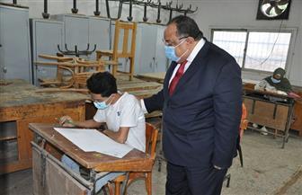 جولة تفقدية لرئيس جامعة حلوان لمتابعة إجراءات اختبارات القدرات بالكليات| صور