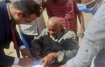 مستشار يخرج لاستقبال الناخبين من ذوي الهمم وكبار السن  صور