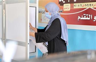 بعد انكسار موجة الحر.. إقبال السيدات على التصويت وسط الأغاني الوطنية بلجنة «الشئون الاجتماعية» بالأميرية