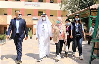 وفد البرلمان العربي يتفقد اللجان الانتخابية لمجلس الشيوخ في الجيزة | صور