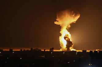 غارات إسرائيلية على غزة لليوم الثاني ردا على إطلاق بالونات حارقة من القطاع