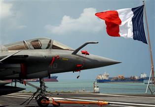 فرنسا تنشر طائرتي رافال وسفينة حربية بشرق المتوسط ردا على تحركات تركيا