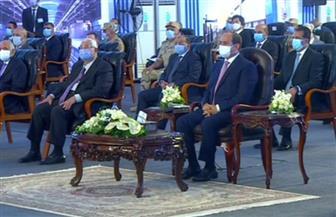 """الرئيس السيسي يشاهد فيلما تسجيليا بعنوان """"بريق وطن"""""""