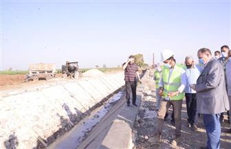 محافظ أسيوط يتفقد المرحلة الأولى من المشروع القومي لتبطين الترع | صور