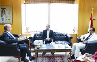 وزير السياحة والآثار يلتقي السفير المجري بالقاهرة قبيل انتهاء مدة خدمته | صور