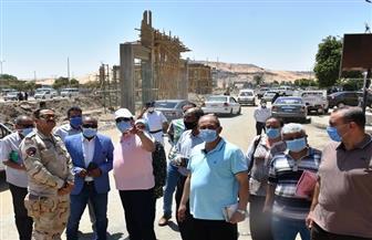 محافظ أسوان يتفقد 3 مشروعات تطوير السوق السياحية وميدان المحطة وحديقة درة النيل
