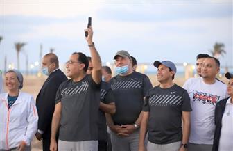 رئيس الوزراء يعطي إشارة البدء لانطلاق الفعالية الرياضية الأولى بمدينة العلمين الجديدة | صور
