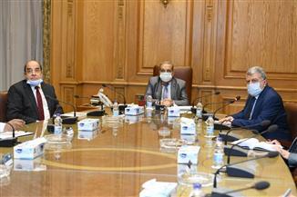 وزير الإنتاج الحربي يطلع على إمكانيات 6 شركات والأكاديمية المصرية للهندسة والتكنولوجيا المتقدمة