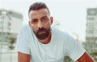 بعد غياب 6 سنوات.. مغني الراب «علي» يطلق كليب «ياما» | صور