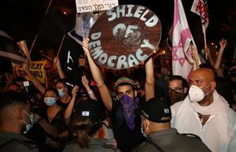 10 آلاف متظاهر يحتشدون أمام مقر إقامة نتنياهو ويطالبون باستقالته| فيديو