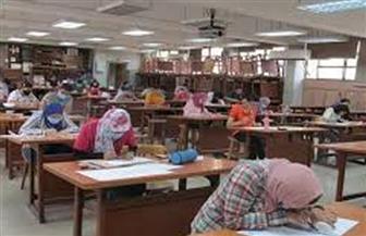 242 طالبا يسجلون رغبات القبول بالكليات بجامعة حلوان