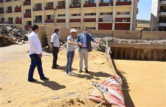 رئيس جامعة سوهاج يتفقد أعمال الإنشاءات بمستشفى الطوارئ والجراحات | صور