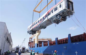 وزير النقل يعلن وصول دفعة جديدة من عربات ركاب السكك الحديدية الجديدة إلى ميناء الإسكندرية| صور