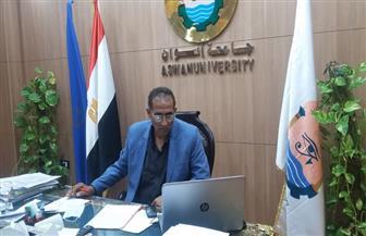 رئيس جامعة أسوان يوقع مذكرة تعاون مع مركز التميز للمياه بالجامعة الأمريكية