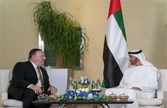 ولي عهد أبوظبي ووزير الخارجية الأمريكي يبحثان هاتفيا العلاقات الإستراتيجية بين البلدين