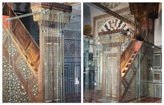السياحة والآثار تنتهي من تركيب أول حاجز حماية شفاف حول منبر مسجد السلطان أبو العلا الأثرى| صور