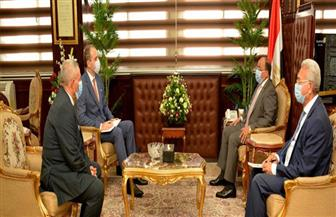 وزيرالتنمية المحلية يلتقي سفير بيلاروسيا بالقاهرة لبحث التعاون بين البلدين