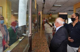 محافظ بورسعيد يتابع الخدمات المقدمة للمواطنين بالمركز التكنولوجي بحي الشرق| صور