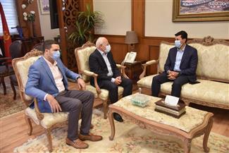 محافظ بورسعيد يستقبل وزير الشباب والرياضة | صور
