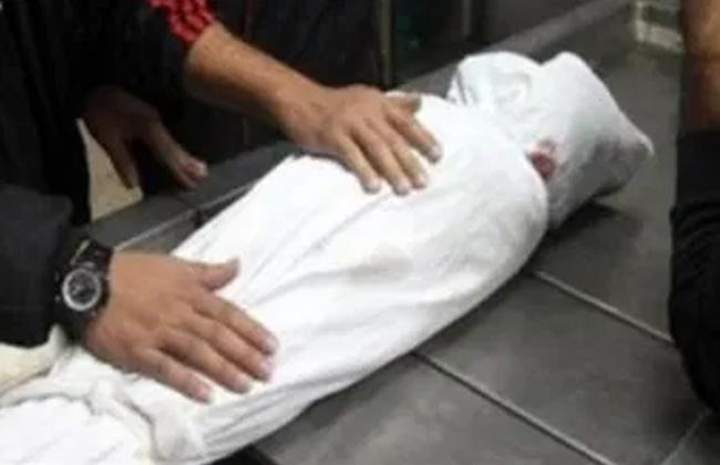 دفن جثة طفل سقطت عليه نخلة في منطقة البدرشين