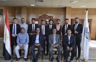 كلية طب الفم والأسنان بجنوب الوادي تحتفل بتخريج أول دفعة من طلاب العراق | صور