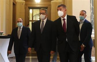 «العناني» ورئيس الوزراء التشيكي يفتتحان معرض «ملوك الشمس» بالعاصمة التشيكية براج   صور