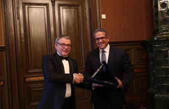 وزير السياحة والآثار يلتقي وزير الثقافة التشيكي لبحث تعزيز سبل التعاون بين البلدين | صور