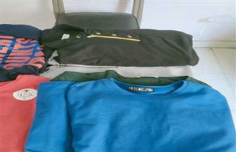 ضبط ملابس وإكسسوارات محمول مجهولة المصدر في حملة على أسواق مطروح| صور