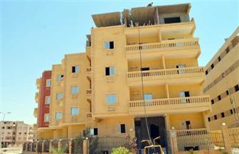 إزالة فورية لدور سطح مخالف أصر مالكه على استكمال المخالفة رغم إيقاف الأعمال  بمدينة الشروق |صور