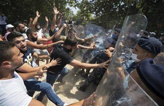 احتجاجات أمام مقر وزارة الطاقة اللبنانية تنديدا بانقطاع الكهرباء ونقص المحروقات