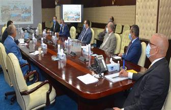 وزير الإسكان يستعرض آليات تنفيذ تكليفات الرئيس السيسي بتطوير «سانت كاترين» | صور