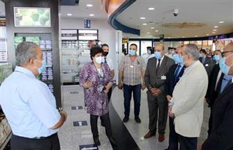 وزير الطيران يتفقد مطار برج العرب ويتابع مستجدات أعمال التطوير بالمطار | صور