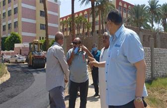"""سكرتير محافظة الأقصر يقوم بجولة ميدانية لمشروعات """"حياة كريمة"""" بالقرى الأكثر احتياجا"""