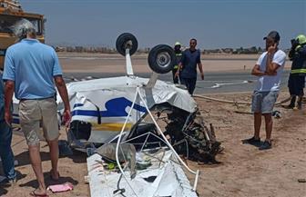 فريق من الطيران المدني يبدأ تحقيقات أولية في حادث سقوط طائرة ترفيهية بمطار الجونة