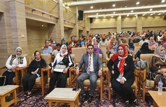 «قومي المراة» بسوهاج ينظم ندوات توعية للسيدات بالقرى للمشاركة فى التصويت بانتخابات مجلس الشيوخ