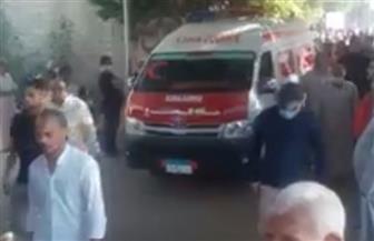 الآلاف من أهالي نبروة يشيعون 8 جثامين لضحايا عقار المحلة المنهار | صور